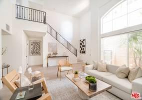 838 17th Street, Santa Monica, California 90403, 2 Bedrooms Bedrooms, ,2 BathroomsBathrooms,Residential,For Sale,17th,691067532